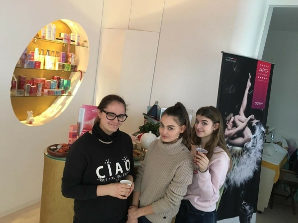 "Le estetiste in visita al ""Beauty Center Elixir"""